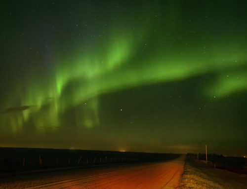 How to Photograph the Aurora With a DSLR