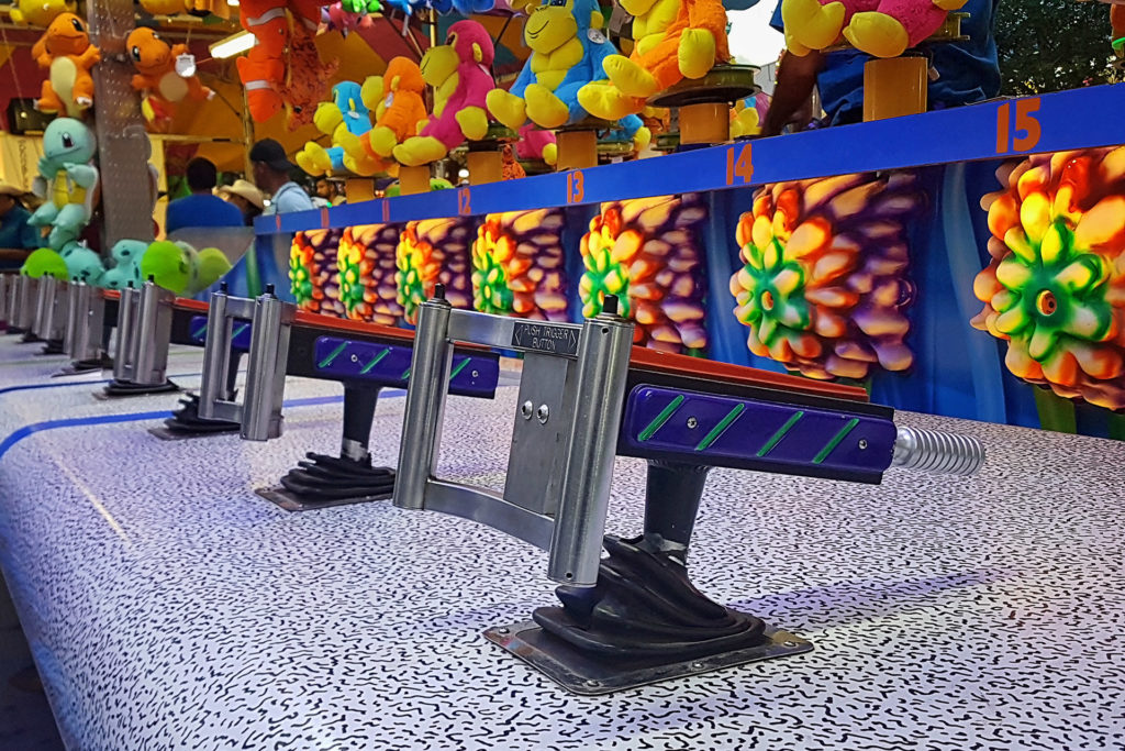 Water gun carnival game